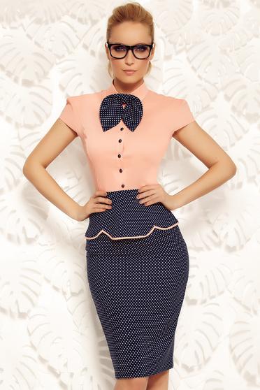 Camasa dama Fofy piersica office din bumbac elastic cu un croi mulat accesorizata cu o fundita