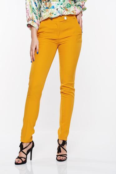 Pantaloni PrettyGirl mustarii office conici din stofa usor elastica cu talie medie si buzunare