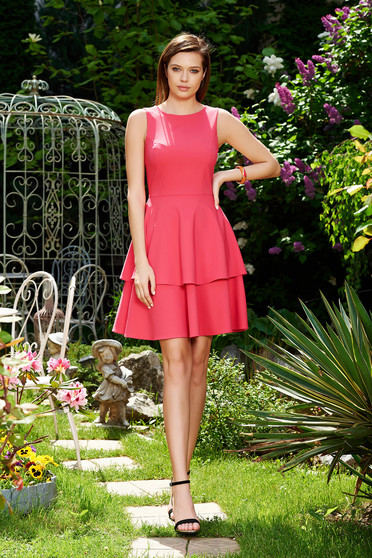 Rochie StarShinerS roz eleganta in clos din stofa usor elastica cu volanase