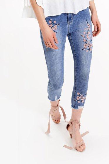 Blugi Top Secret albastri casual skinny brodati din bumbac elastic cu talie medie