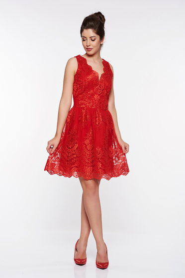 Rochie LaDonna rosie de ocazie in clos din dantela captusita pe interior