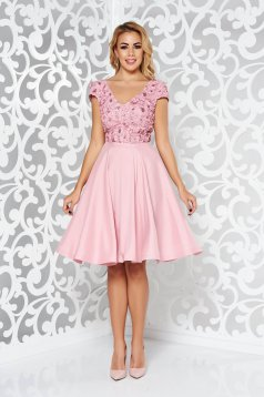 Rochie StarShinerS rosa de ocazie in clos din material satinat cu aplicatii cu paiete