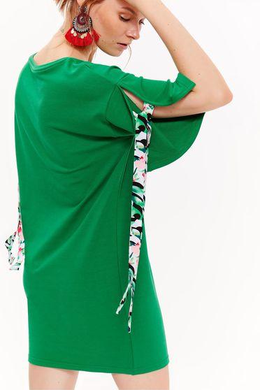 Rochie Top Secret verde casual cu croi larg din material usor elastic cu maneci scurte