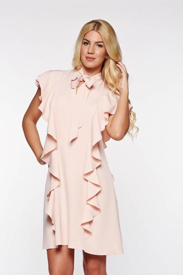 Rochie PrettyGirl rosa eleganta cu croi in a din material elastic si fin cu volanase