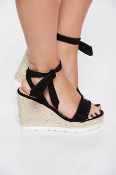Sandale negre casual din piele ecologica cu impletituri pe platforma