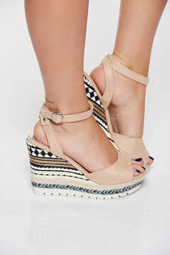 Sandale crem casual din piele ecologica cu bretele