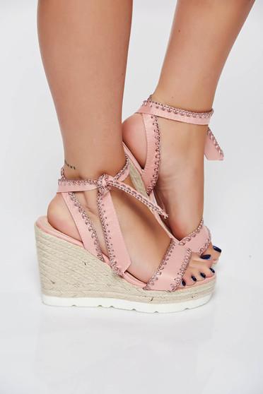 Sandale rosa casual din piele ecologica cu impletituri pe platforma