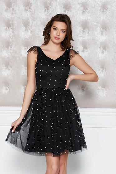 Rochie StarShinerS neagra de ocazie in clos din tul cu aplicatii cu perle captusita pe interior