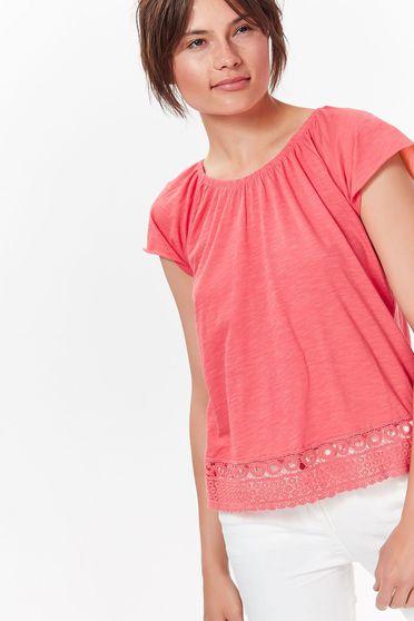 Bluza dama Top Secret roz casual cu croi larg din material moale cu aplicatii de dantela