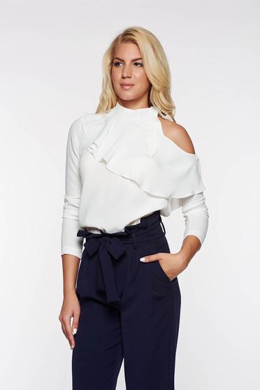 Bluza dama PrettyGirl alba eleganta cu volanase din material vaporos cu umeri decupati