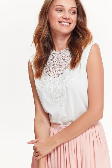 Bluza dama Top Secret alba eleganta cu croi larg din material neelastic cu aplicatii de dantela