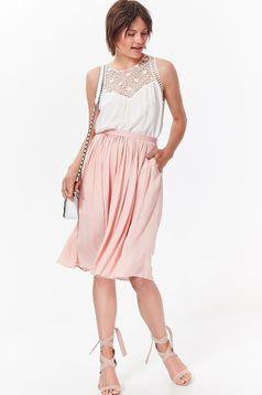 Bluza dama Top Secret alba eleganta cu croi larg din material vaporos cu aplicatii de dantela