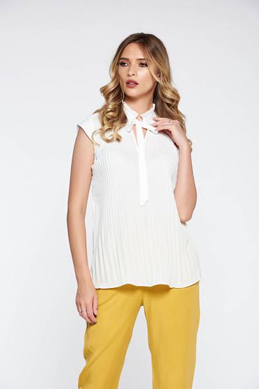 Bluza dama alba eleganta cu croi larg din material vaporos plisat