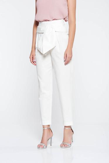Pantaloni albi eleganti conici din bumbac cu talie inalta