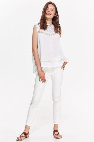 Bluza dama Top Secret alba casual cu croi larg din bumbac neelastic cu aplicatii de dantela
