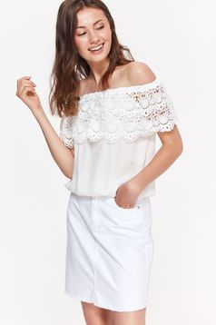 Bluza dama Top Secret alba casual cu croi larg din material vaporos cu aplicatii de dantela