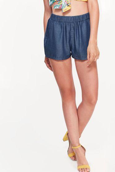 Pantalon scurt Top Secret albastru casual cu elastic in talie material subtire neelastic cu buzunare