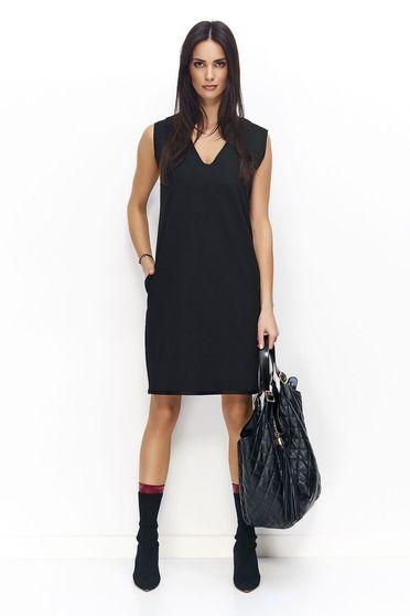 Rochie Numinou neagra casual cu un croi drept fara maneci cu decolteu in v si buzunare