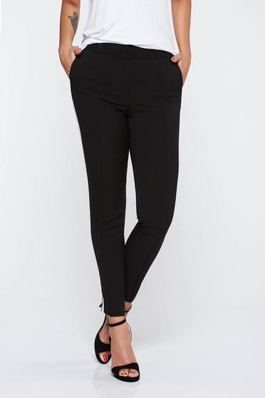 Pantaloni negri office cu un croi mulat din stofa subtire usor elastica cu buzunare