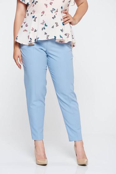 Pantaloni albastri deschis office conici cu talie medie din stofa subtire usor elastica cu buzunare