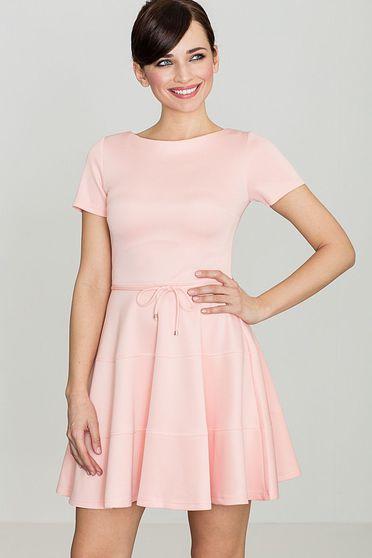 Rochie Lenitif roz eleganta in clos din material usor elastic accesorizata cu cordon