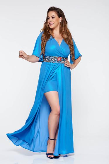 Rochie StarShinerS albastra eleganta lunga cu maneca 3/4 din material lucios cu insertii de broderie accesorizata cu cordon