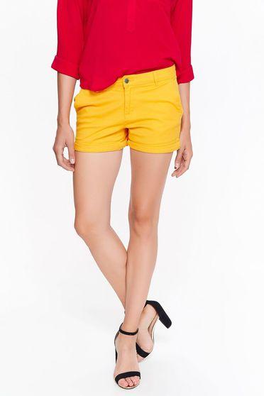 Pantalon scurt Top Secret galben casual cu talie medie din bumbac cu buzunare