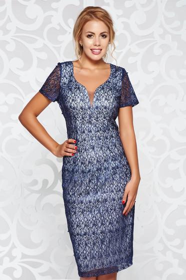 Rochie albastra-inchis de ocazie cu maneca scurta tip creion cu aplicatii cu margele captusita pe interior