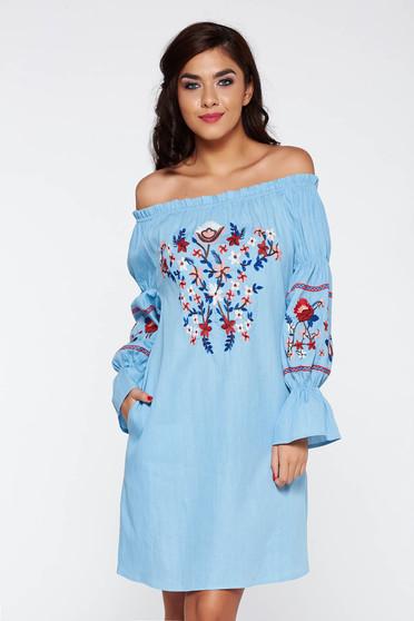 Rochie albastra casual cu maneca lunga cu umeri goi din bumbac brodata