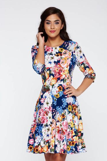 Rochie albastra casual cu maneca 3/4 in clos cu imprimeu floral