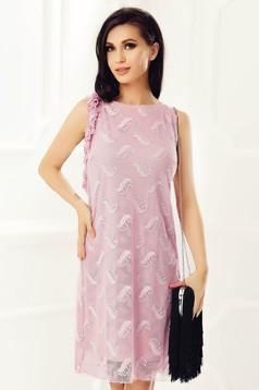 Rochie StarShinerS rosa eleganta cu un croi drept din dantela captusita pe interior