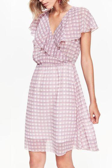 Rochie roz Top Secret casual eleganta croi in clos guler cu volanase din material vaporos si transparent