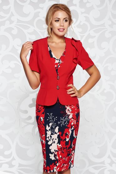 Costum damă rosu elegant cu un croi cambrat din stofa usor elastica