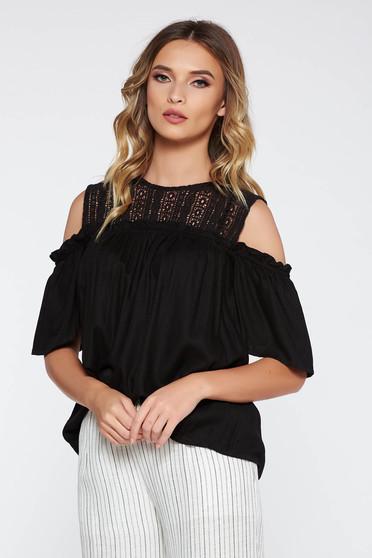 Bluza dama neagra casual cu croi larg cu umeri decupati din material neelastic cu aplicatii de dantela
