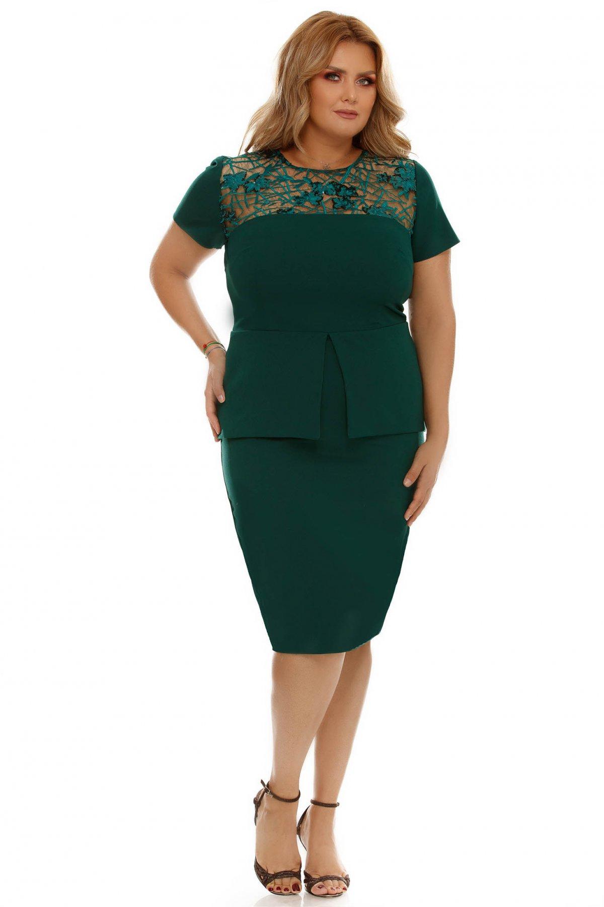Rochie verde eleganta tip creion din stofa subtire usor elastica cu peplum si aplicatii cu paiete