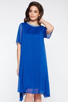 Rochie albastra de ocazie cu croi larg din material vaporos captusita pe interior cu aplicatii stralucitoare