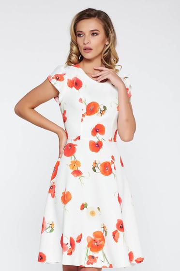 Rochie alba eleganta in clos cu maneci scurte din material usor elastic cu imprimeuri florale