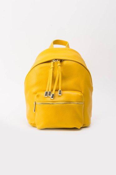 Rucsac galben casual din piele naturala cu accesorii metalice