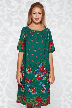Rochie verde de zi cu croi larg material subtire neelastic captusita pe interior cu imprimeuri florale