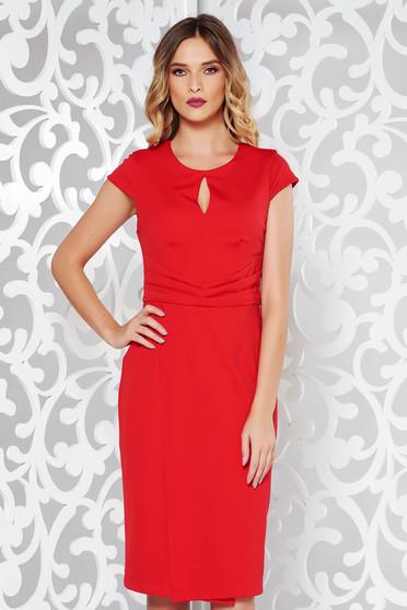 Rochie StarShinerS rosie eleganta cu un croi mulat din stofa usor elastica cu pliuri de material