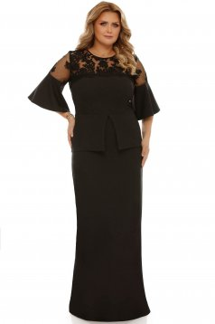 Rochie neagra de ocazie cu un croi mulat din stofa usor elastica cu volanase la maneca