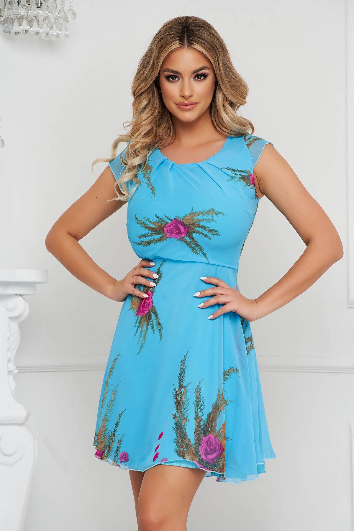 Rochie albastra scurta in clos din voal captusita pe interior cu maneci scurte