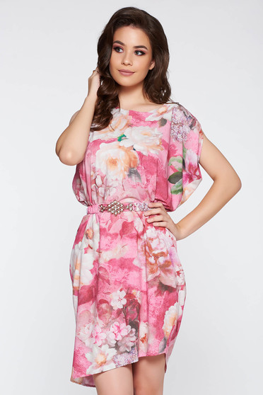 Rochie PrettyGirl rosa eleganta cu croi larg din material satinat cu imprimeuri florale accesorizata cu cordon