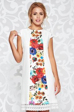 Rochie alba eleganta cu croi in A din stofa usor elastica cu aplicatii de dantela si imprimeuri florale