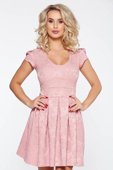 Rochie rosa de ocazie in clos din jaquard