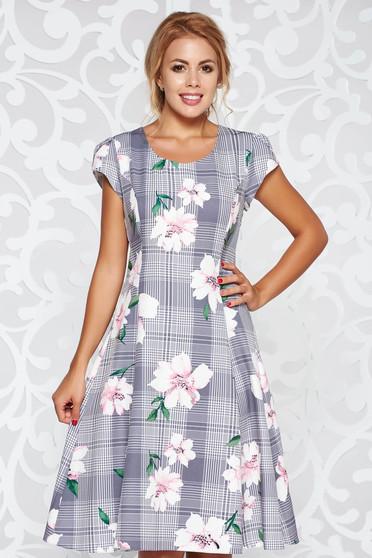 Rochie gri eleganta in clos material fin la atingere cu imprimeuri florale
