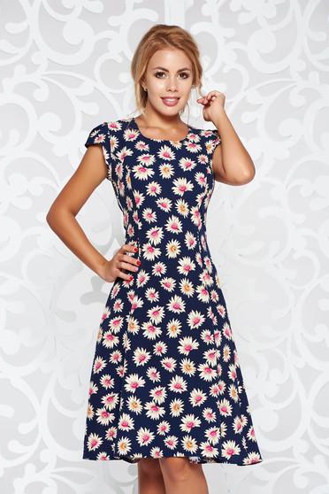 Rochie albastra-inchis casual in clos material fin la atingere cu decolteu rotunjit