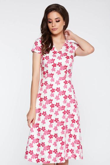 Rochie roz deschis eleganta in clos din material usor elastic cu imprimeuri florale cu decolteu in v