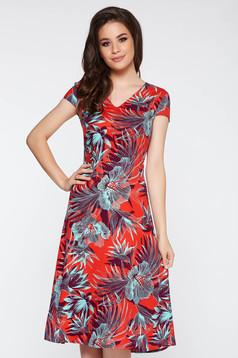 Rochie rosie eleganta in clos din material usor elastic cu imprimeuri florale cu decolteu in v