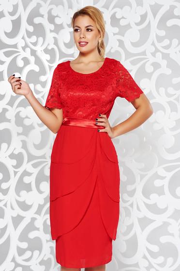 Rochie rosie de ocazie midi din dantela cu volanase